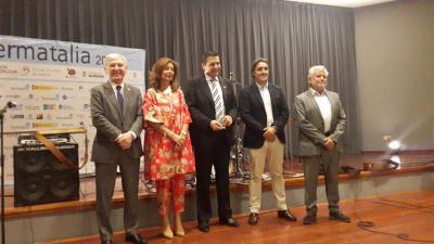 En España distinguen a la Gobernadora Claudia de Zamora