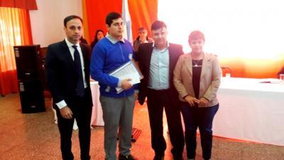 El Concejo Deliberante de Fernández otorgó distinciones a jóvenes estudiantes