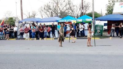 La comunidad de Fernández conmemoró la diversidad cultural