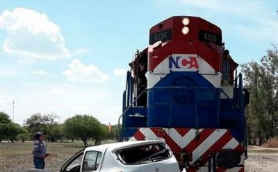 Accidente en Beltrán: El tren arrolló un auto