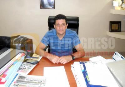 Forres: Garavaglia otorga el bono y caja navideña a empleados municipales