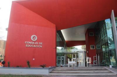 El Consejo general de educación de la provincia cita a docentes