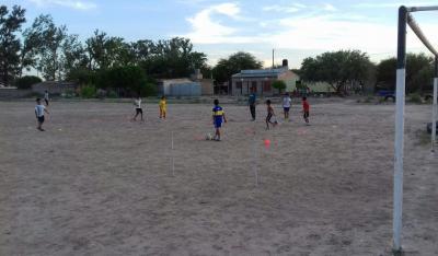 Una nueva escuela de fútbol para los chicos emerge en Trula