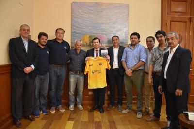 El gobernador recibió a miembros de la Fundación Espartanos