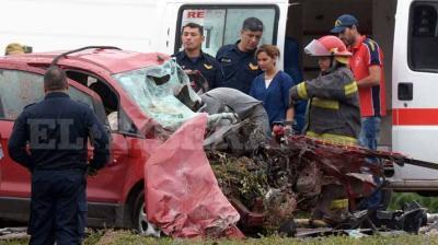 Terrible accidente a la altura de Fernández se cobró la vida de dos personas