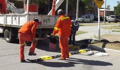 Colocan más reductores de velocidad en esquinas peligrosas