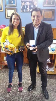 José Bravo recibió a reconocida ciclista de Beltrán