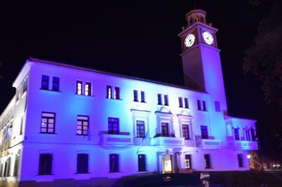 """Casa de Gobierno iluminada por el """"Día de la Bandera"""""""