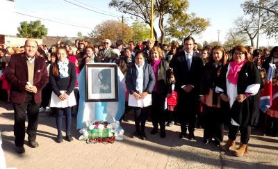Día de la Bandera: Alumnos vistieron de celeste y blanco la ciudad