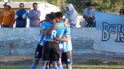 Con un triunfo Sportivo Fernández se trepó a la cuarta posición