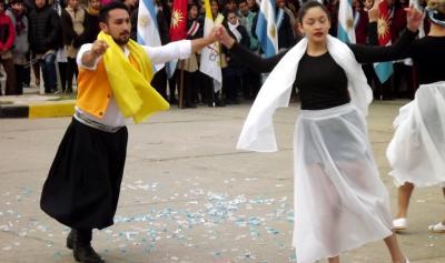 La comunidad de Fernández conmemoró el día de la Independencia