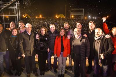 Celebraron el día del amigo con un festival musical en Plaza Añoranzas