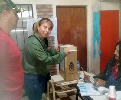 Marcela Castillo sufragó y destacó la amplia participación vecinal