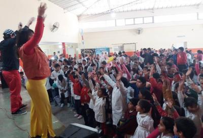 Alumnos de la Escuela 863 de Colonia El Simbolar festejaron el día del niño