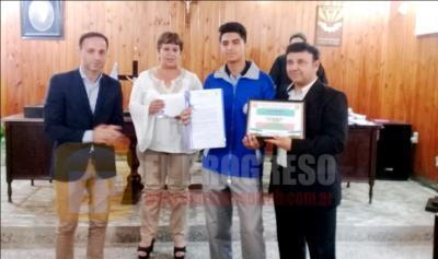 Jóvenes destacados de Fernández fueron distinguidos por el Concejo Deliberante
