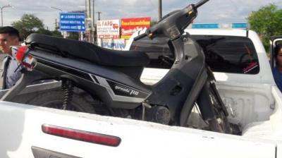 Joven de Fernández sufrió el robo de su moto en el puente carretero