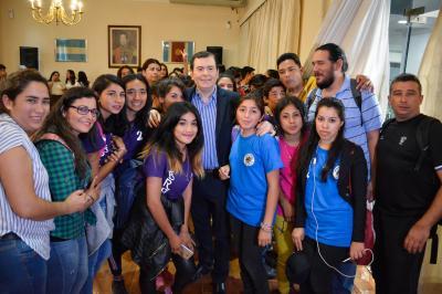 Alumnos del Colegio Francisco Maradona de Beltrán visitaron al Gobernador