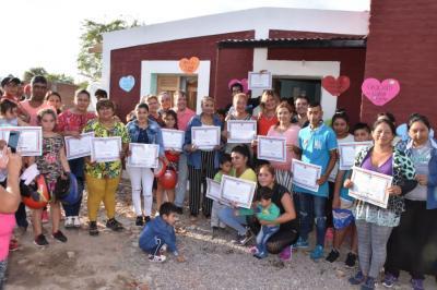 El gobierno santiagueño entregó treinta  viviendas sociales en La Banda
