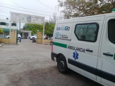 Una camioneta volcó sobre la ruta vieja cerca de Fernández