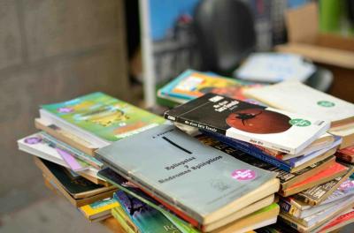 Fernández: piden donaciones de libros para armar una biblioteca destinada a niños de parajes