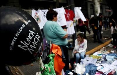 Día de la memoria: una multitud marchó en contra del Gobierno Nacional
