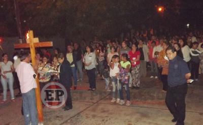 Cientos de Fernandenses acompañaron el  Vía Crucis