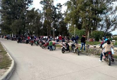 Beltrán: Reordenan la feria asentada sobre el ferrocarril