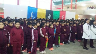 Alumnos desarrollaron una espectacular muestra de educación física