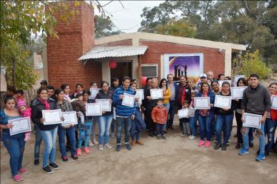 Benefician con viviendas sociales a familias de Capital y La Banda