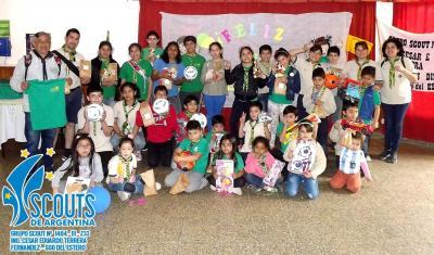 Niños Scouts fueron sorprendidos con regalos por el día del niño