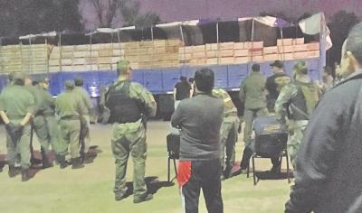 Fernández: perro detector de narcóticos descubrió más de 400 kilos de cocaína
